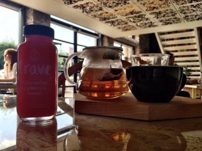 Juice Warrior & tea